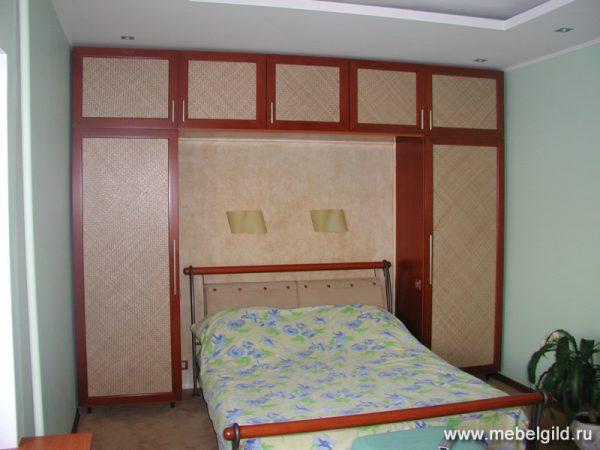 Стилистическое решение интерьера спальни коттеджа в Подольске