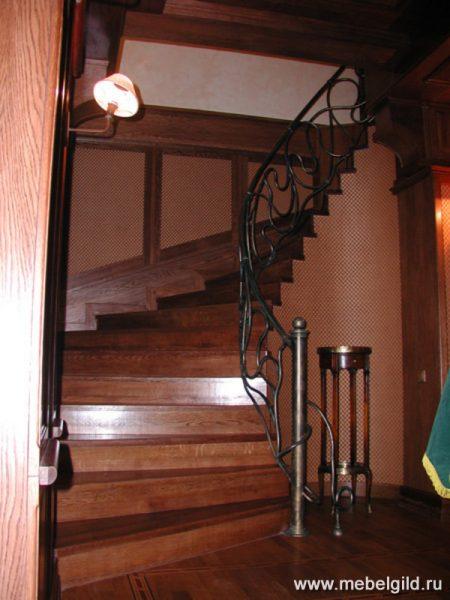 """Стильные деревянные лестницы от мастеров """"Гильдии Мебельщиков"""""""