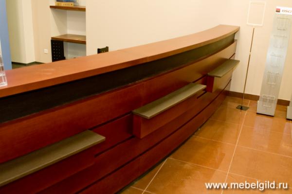 Презентабельная банковская мебель из современных материалов