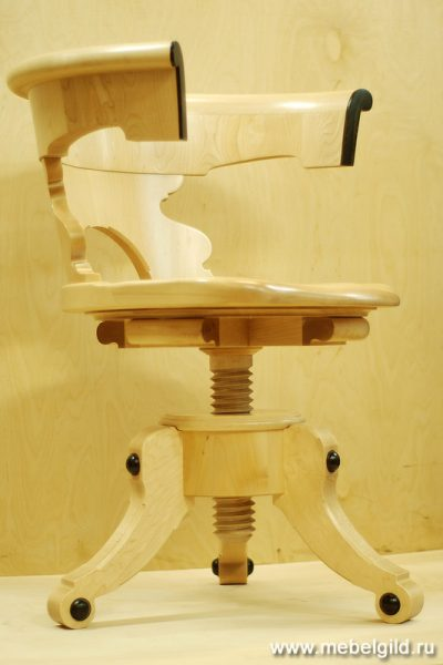 Мебель, что переживёт века. Стул из массива дерева