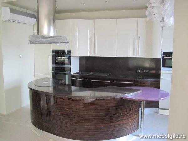 Кухонная столешница из искусственного камня Dupont Corian Chic Aubergine